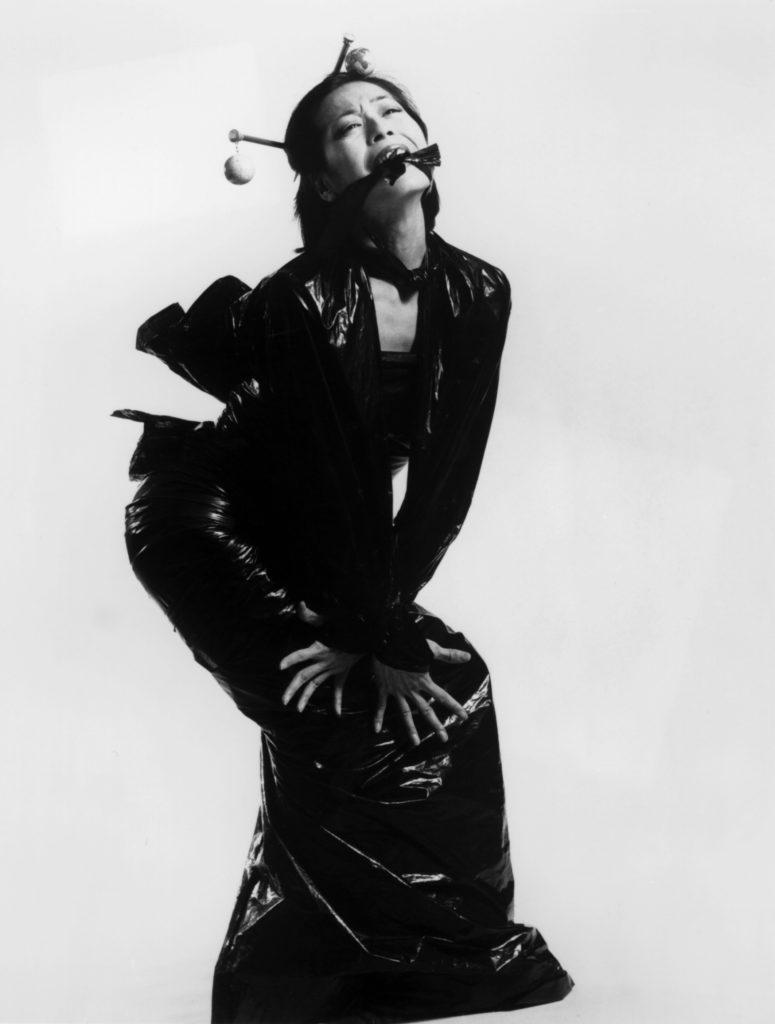 Denise Fujiwara in her work Great Wall, 1988 Photo by Cylla von Tiedemann, courtesy of Dance Collection Danse